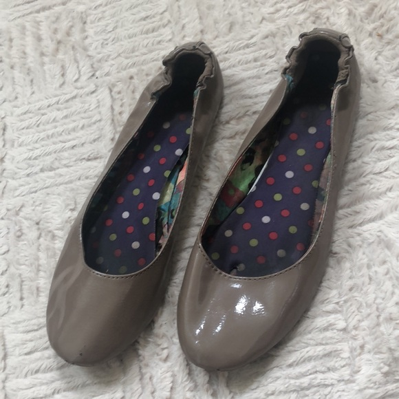 SO scrunch heel ballet flats Size 9
